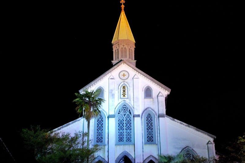 大浦天主堂のライトアップはエキゾチック
