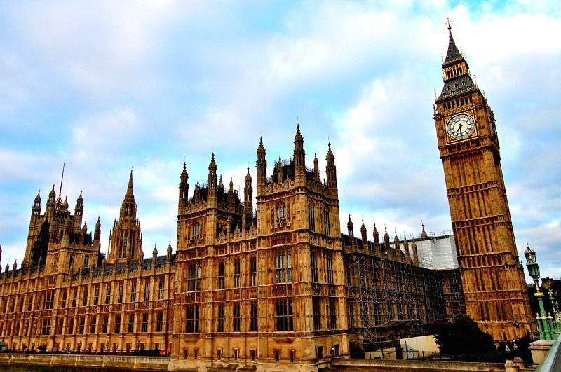 イギリスの国会議事堂は、誰もが知る有名観光名所