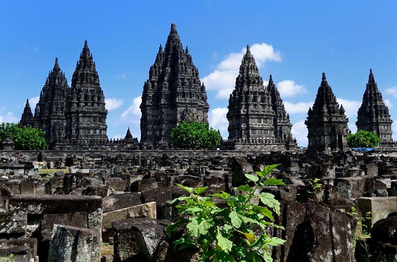 ジャワ建築の最高傑作「プランバナン寺院群」の歴史