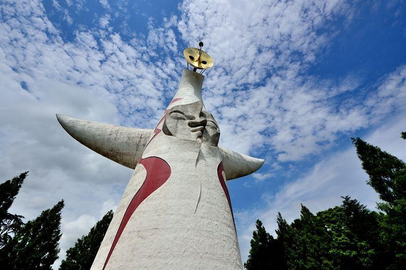 万博記念公園のシンボル!「太陽の塔」は歴史と3つの顔に注目