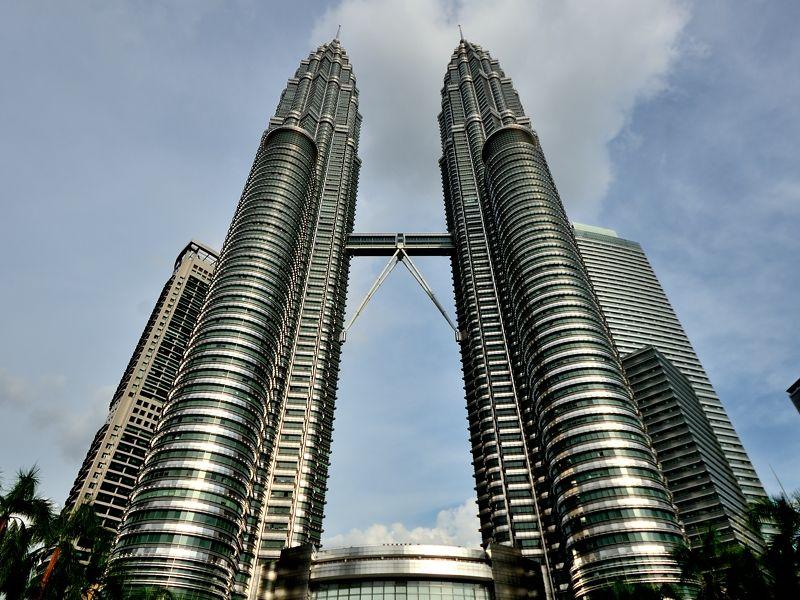 3日目午後:約452mの超高層ビル、ペトロナスツインタワーへ