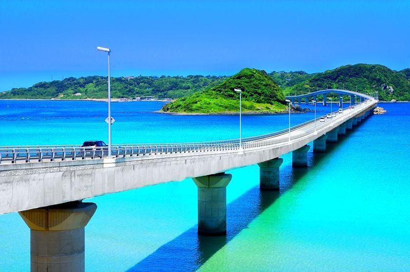 夏休みは絶景ドライブだ!日本の橋ランキング1位にもなった「角島大橋」(山口)