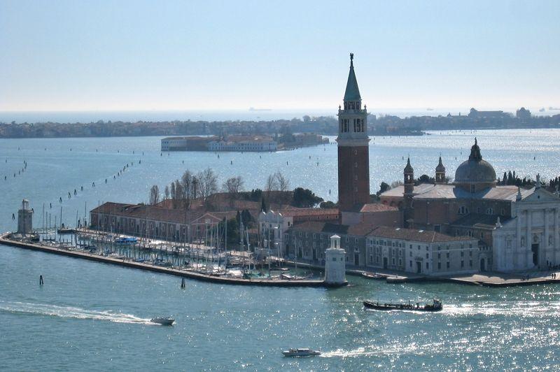 ヴェネツィアは離島めぐりが楽しい!おすすめの島5選