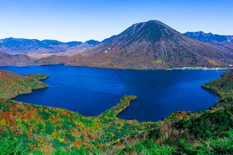 男体山に八丁出島!紅葉の中禅寺湖は美しい