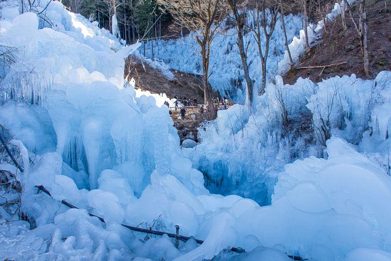 秩父が誇る冬の名所「あしがくぼの氷柱」