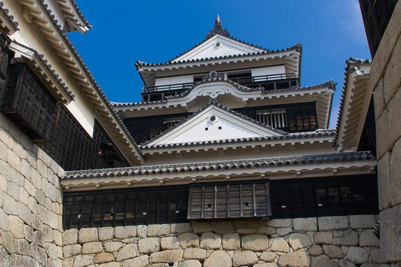 松山城のシンボル!現存天守の勇姿!