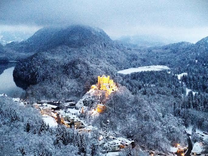 黄金に輝くホーエンシュバンガウ城も一緒に