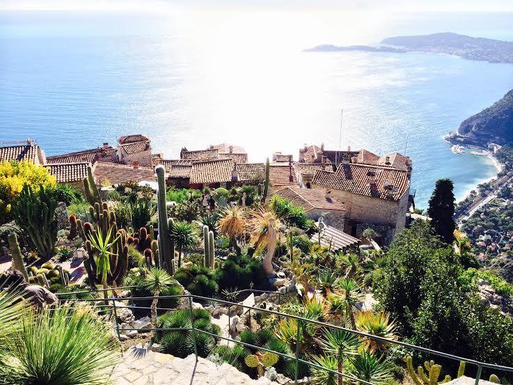 天空の城から地中海を一望!南仏のメルヘンな鷲の巣村エズ