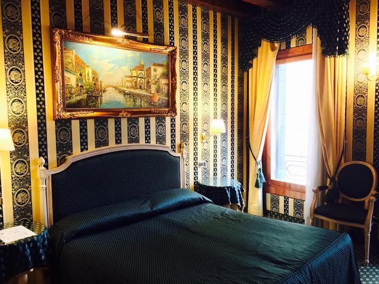ベネチアを大満喫!サンマルコ広場からすぐ『ルレ ホテル』