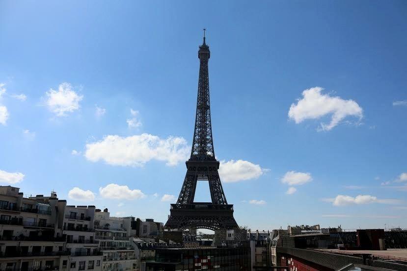 パリ随一のエッフェル塔のパノラマビュー