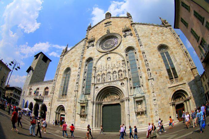 コモの街を代表する大聖堂