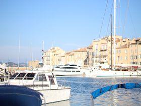 青い海を臨む港町でおしゃれなバカンスを!南仏サン・トロぺ