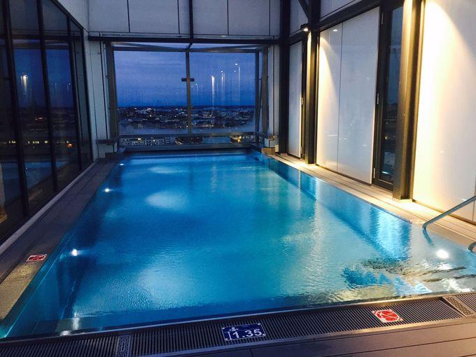 プールやサウナなど充実したホテル施設