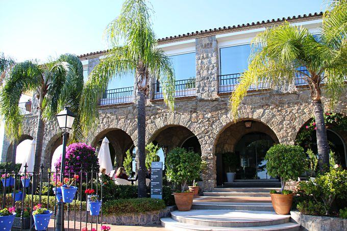 「コスタ・デル・ソル(太陽の海岸)」を臨むホテル
