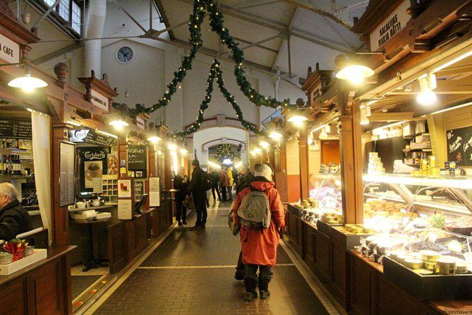 午前:ヘルシンキ大聖堂とマーケット巡り