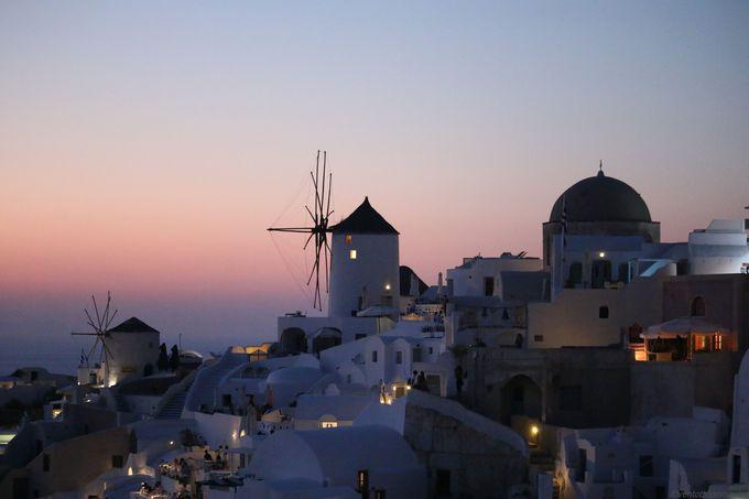 夕方以降:世界有数の美しい夕日を「イア(Oia)」で鑑賞
