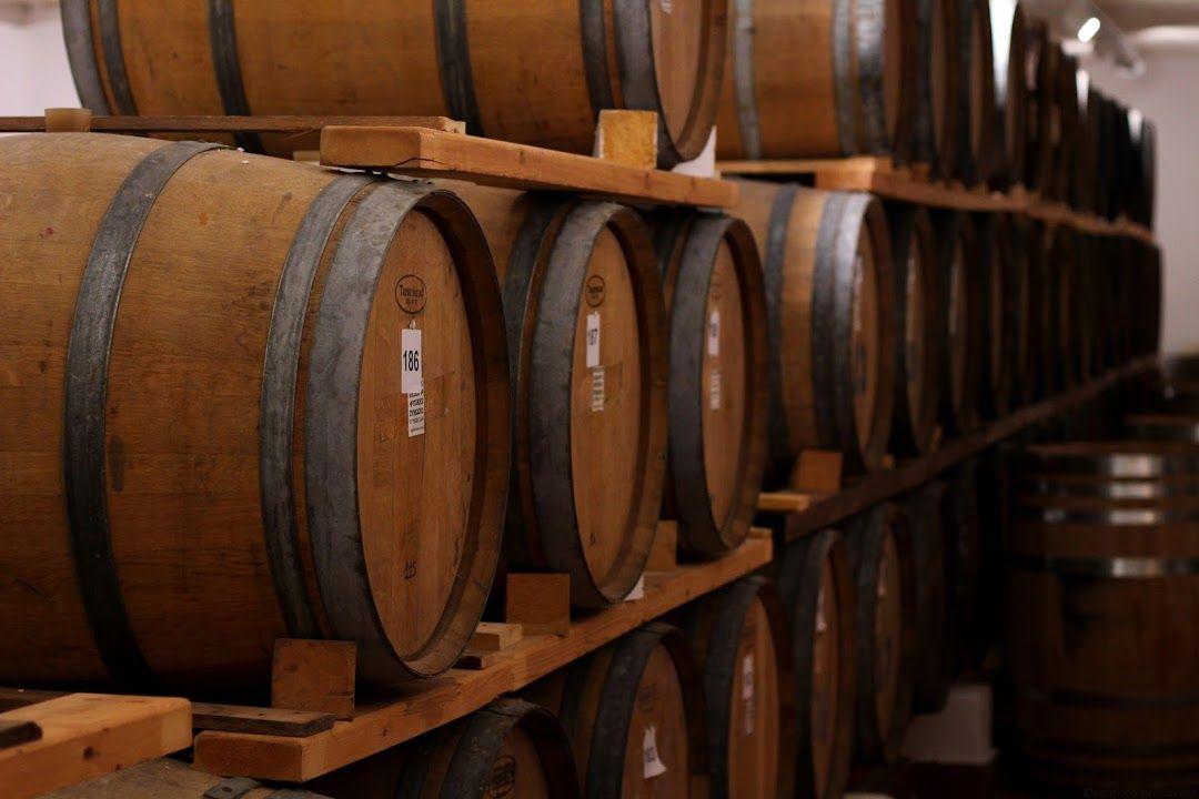 ランチ:「サントワイン(Santo Wines Winery)」で地元料理を満喫!