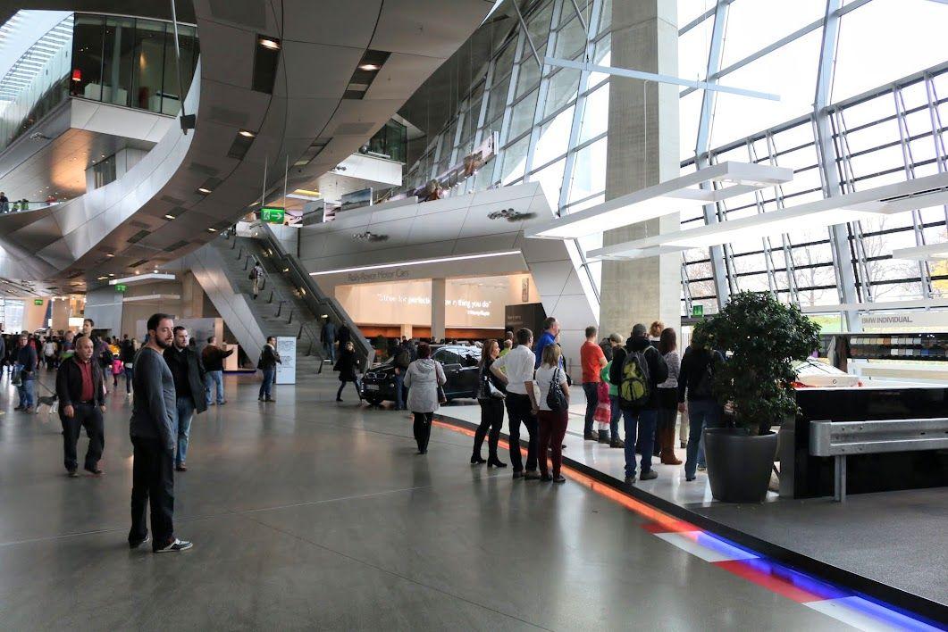 午後3時半頃:BMW本社でモダンなミュンヘンを知る