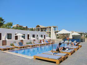 サントリーニ島の価格・居心地・立地揃ったホテル「イフストス ヴィラ」