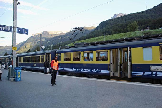 地方最大の町インターラーケンから始まる登山鉄道の旅