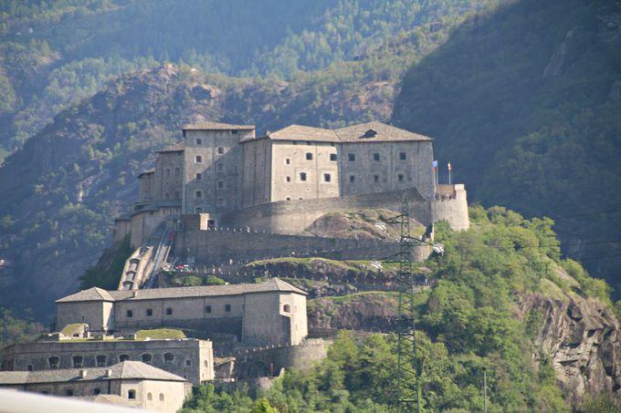 城塞としての歴史を持つフォート・バール