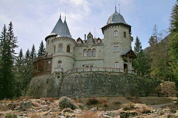 サヴォイア城をはじめ、魅力的な古城がいっぱい!