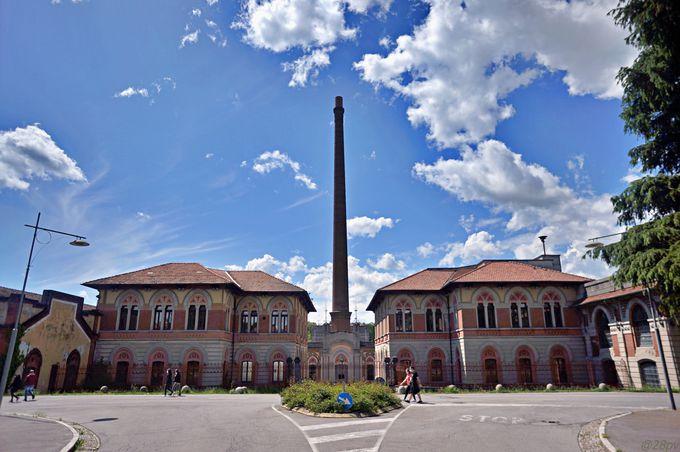 「クレスピ・ダッダ」のメインである工場