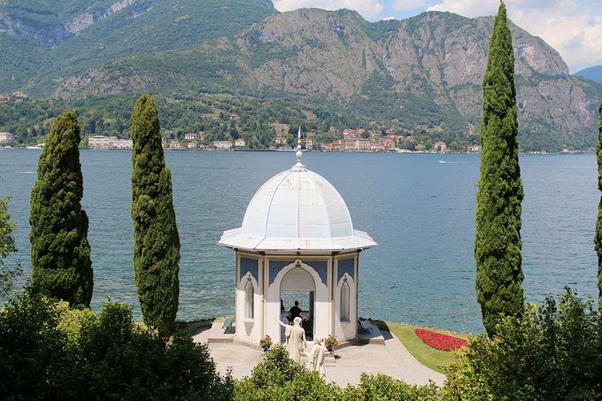湖畔に溶け込む美しき庭園「ヴィラ・メルツィ」