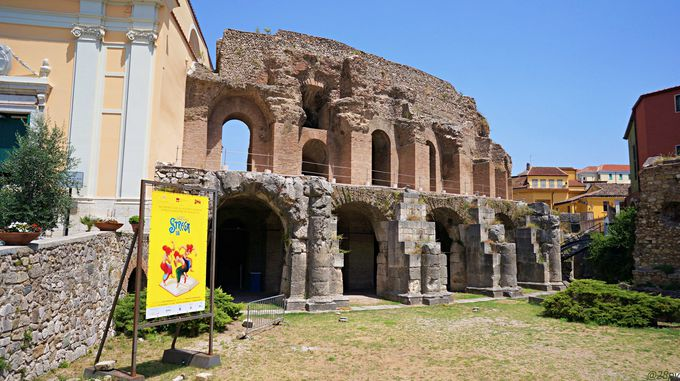 当時の雰囲気をそのまま残す「ローマ劇場」