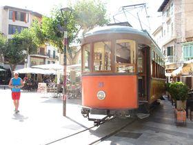 木製電車で世界遺産を横断!スペイン・マヨルカのソジェール鉄道