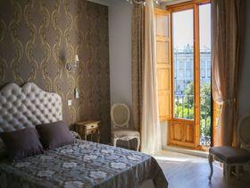マドリード王宮が目の前!絶景の宿「ホステル・セントラル・パレス」