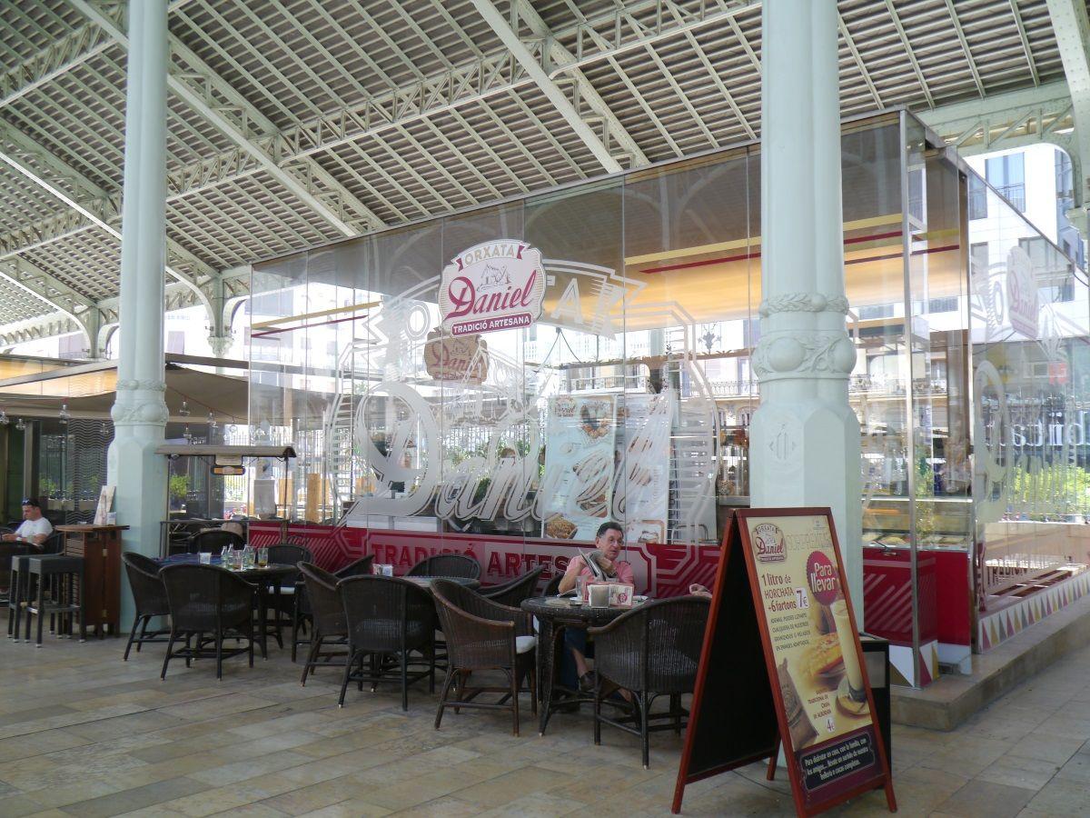 バレンシアNo.1のカフェスポットにあるオルチャタの老舗「ダニエル」