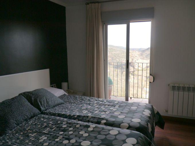 バルコニーからの眺めが圧巻!「ホテル・エル・シッド」のお部屋