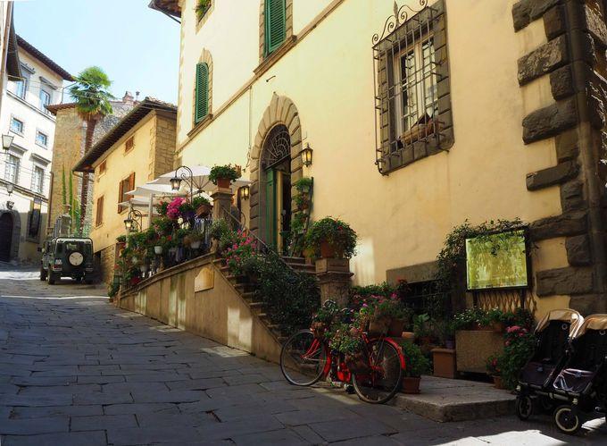 トスカーナ・コルトーナの人気レストラン「オステリア・デル・テアトロ」