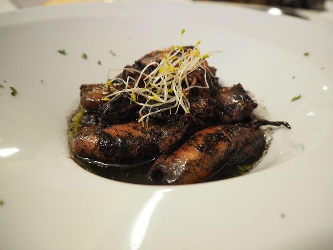 コースの前菜は伝統的なスペイン料理
