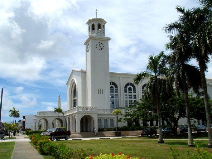 ランドマーク的存在「ハガニア大聖堂バシリカ」