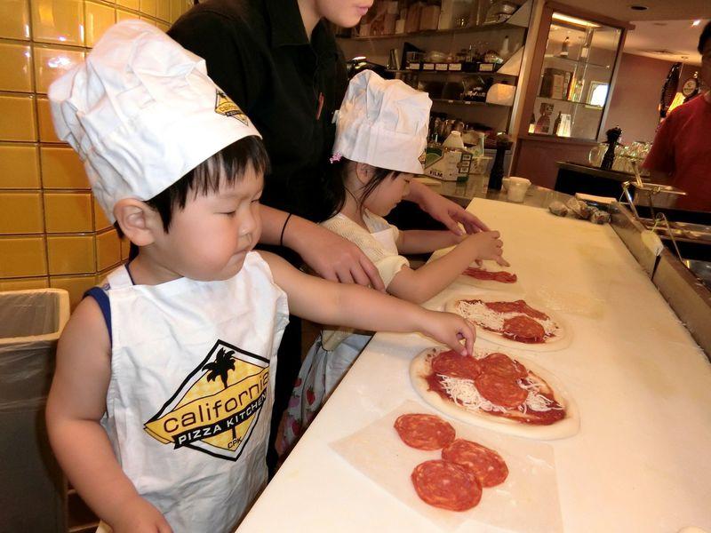 グアムでピザづくり体験!カリフォルニア・ピザ・キッチンのキッズツアー