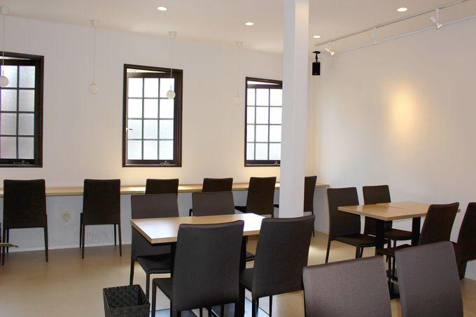 川越観光の休憩は、彩乃菓2階のカフェスペースへ