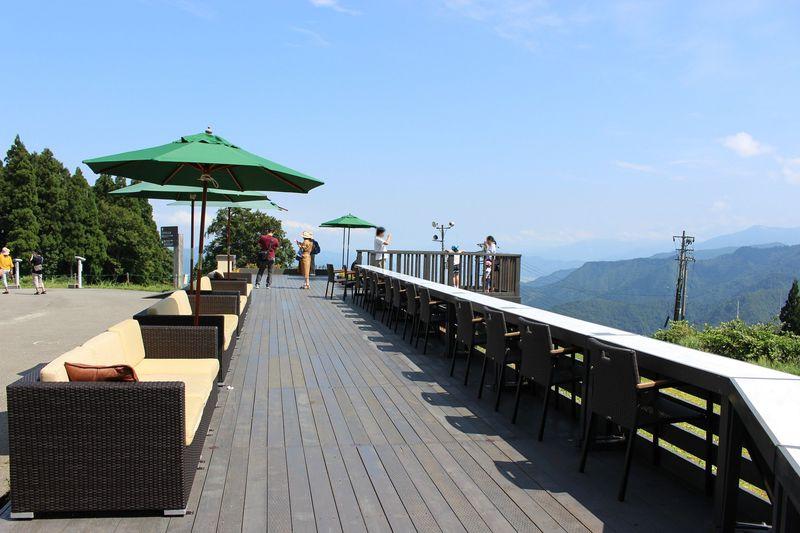 雲の上のカフェや足湯も!湯沢高原パノラマパークで外遊びを満喫!