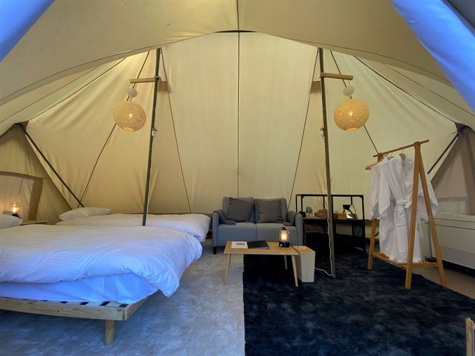 グランピングテントはホテル仕様で快適!