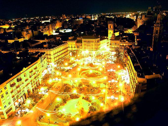 「ミゲレテの塔」から見る夜景もステキ!