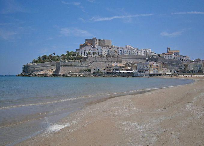 地中海に突き出る明媚な半島