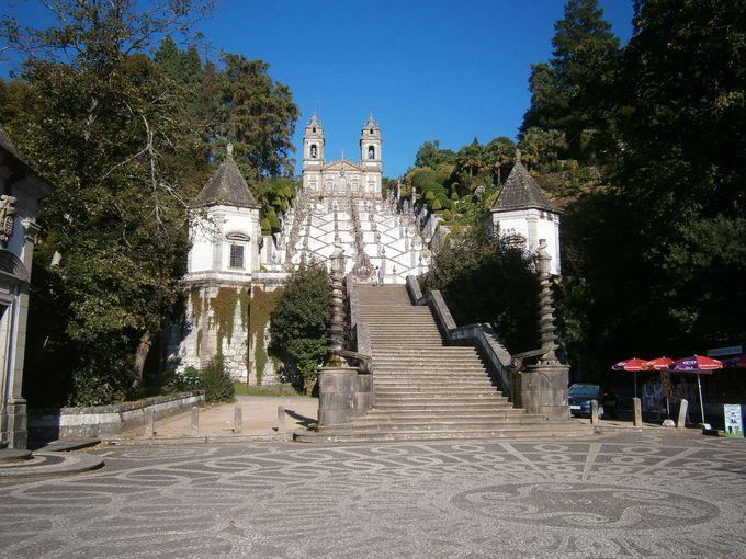 教会のハイライト「ジグザグ階段」
