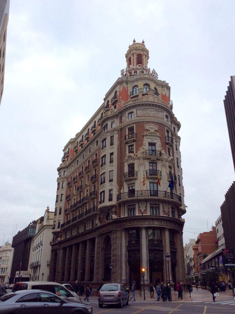 スペイン・バレンシアで味わえるアールヌーボー建築物5選