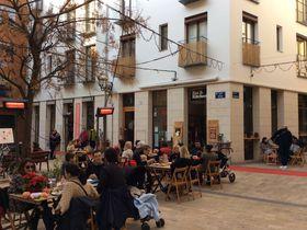 スペイン・バレンシア「タピネリア市場」でグルメと雑貨を満喫!