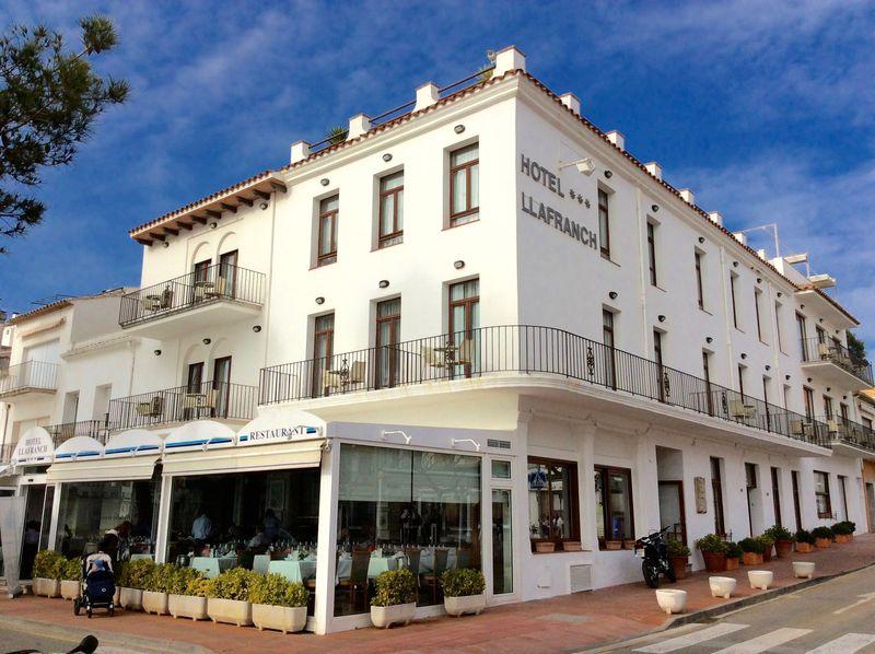 スペイン・パラフルジェール「オテル・リャフランク」はセレブが愛する海辺の宿!
