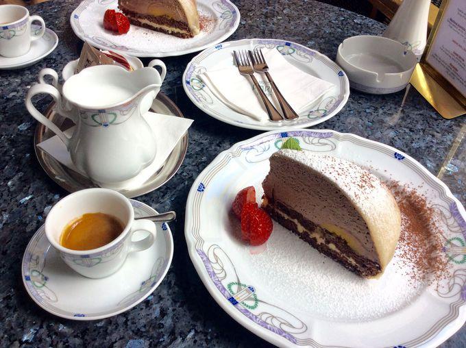 「カフェ・ドゥ・パリス」のガトー・パリス