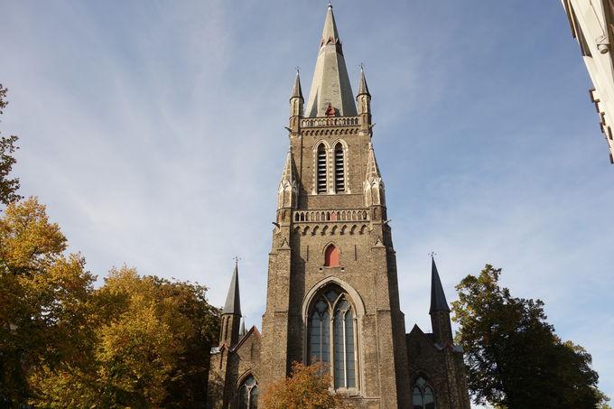 「聖マグダレーナ教会」はネオゴシック様式の歴史的建造物