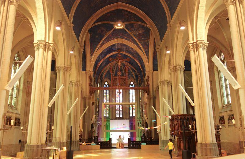 現代アート美術館になったベルギー・ブルージュ「聖マグダレーナ教会」
