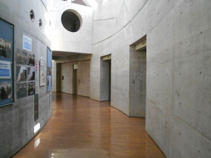 笠原と手塚が走った第4会議室への廊下!